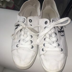 White lace up shoes!